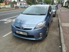 Toyota Prius car for rent in Colombo