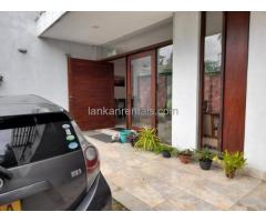 4 Bedroom Contemporary Style House, 800m to Thorana Junction/Highway entrance