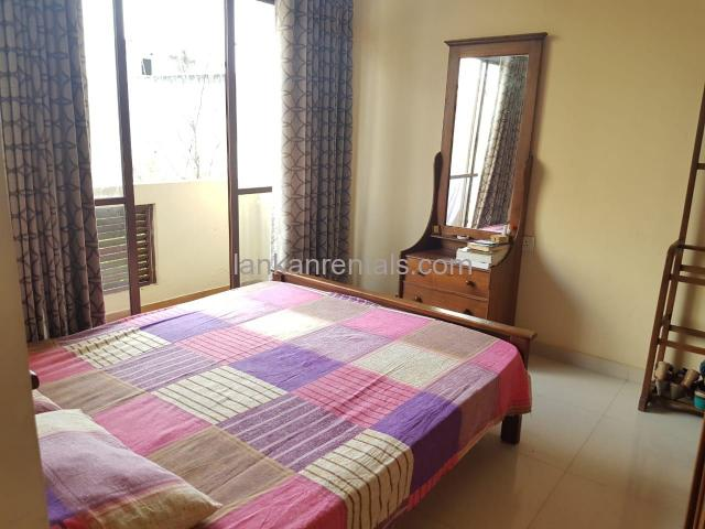 Rooms for working or studying girls in Colombo