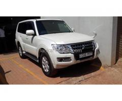 Rent car- Mitsubishi Montero
