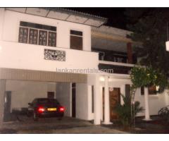 Upstair House for rent in Thalawathugoda