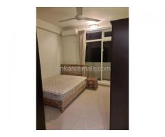 Apartment house rooms for rent